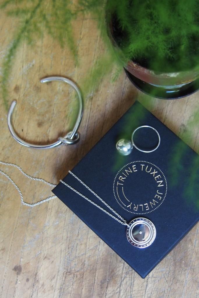 Trine-Tuxen-logo-necklace-diamond-1