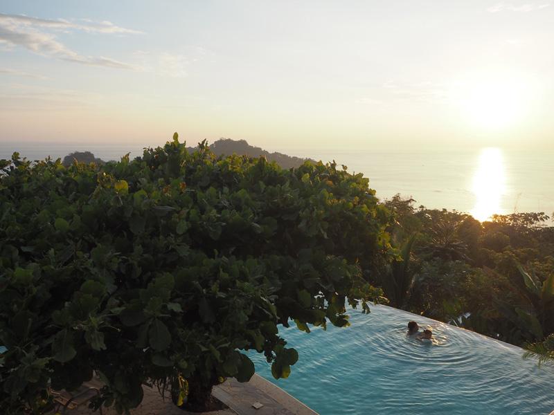 RosyCheeks-Blog-Costa-Rica-Manuel-Antonio-Hotel-Mariposa-pool