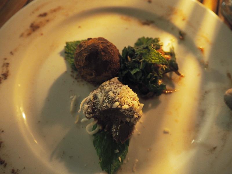 RosyCheeks-Blog-Costa-Rica-Montezuma-Hotel-YlangYlang-vegan-truffles