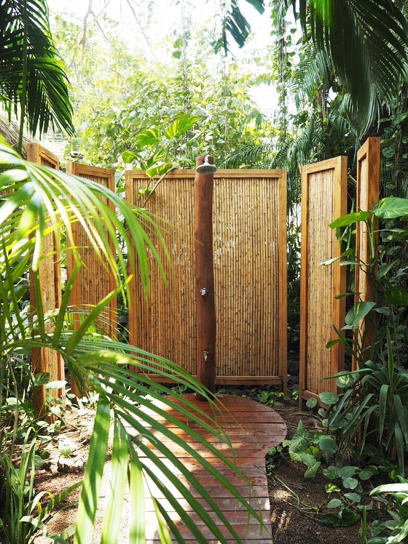 RosyCheeks-Blog-Costa-Rica-Tamarindo-Hotel-Pasatiempo-jungle-shower