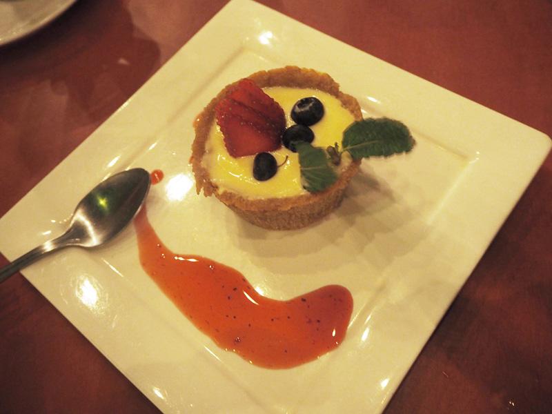 RosyCheeks-Blog-Costa-Rica-Tamarindo-Pangas-Beachclub-lemon-cheesecake