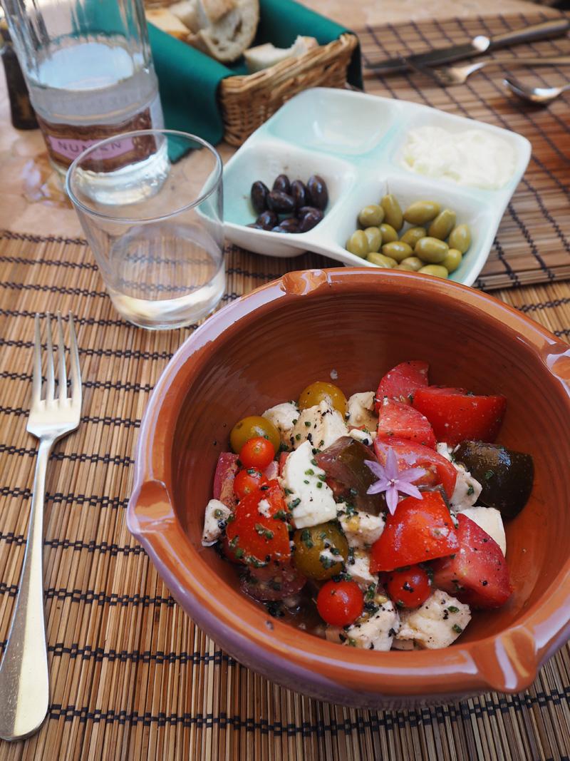 rosycheeks-deia-cas-xorc-caprese-salad