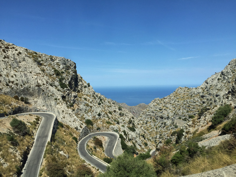 rosycheeks-mallorca-mountain-roads