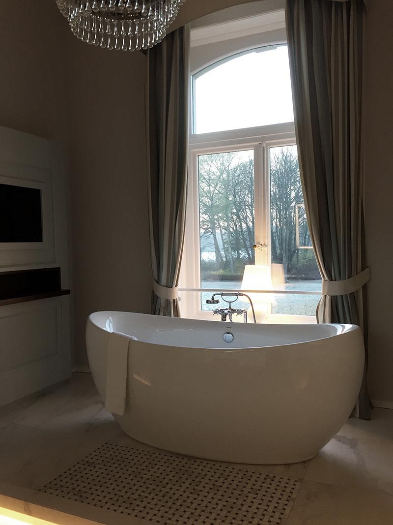 rosycheeks-blog-weissenhaus-badewanne