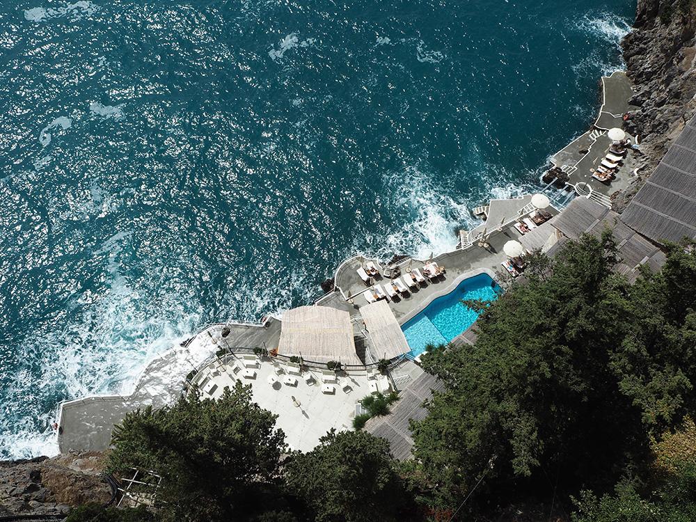 RosyCheeks-Hotel-Santa-Caterina-pool-area