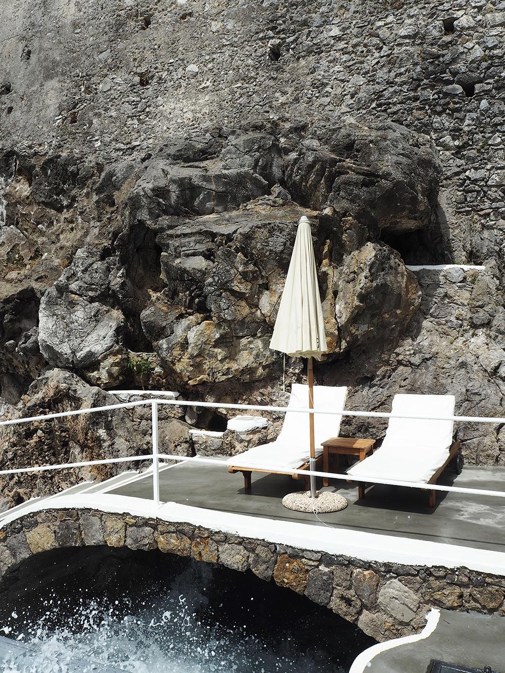 RosyCheeks-Hotel-Santa-Caterina-rocks
