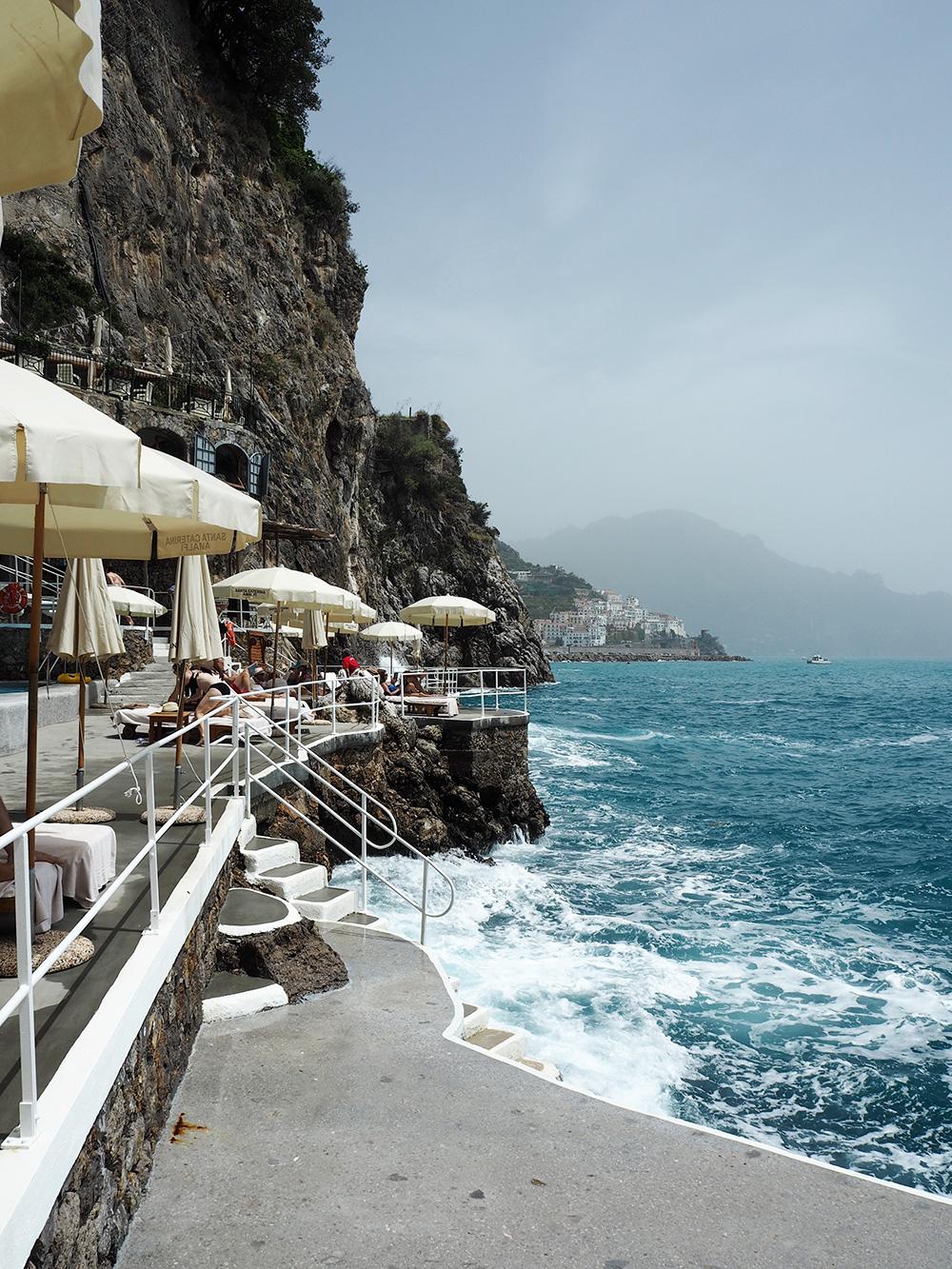 RosyCheeks-Hotel-Santa-Caterina-umbrellas