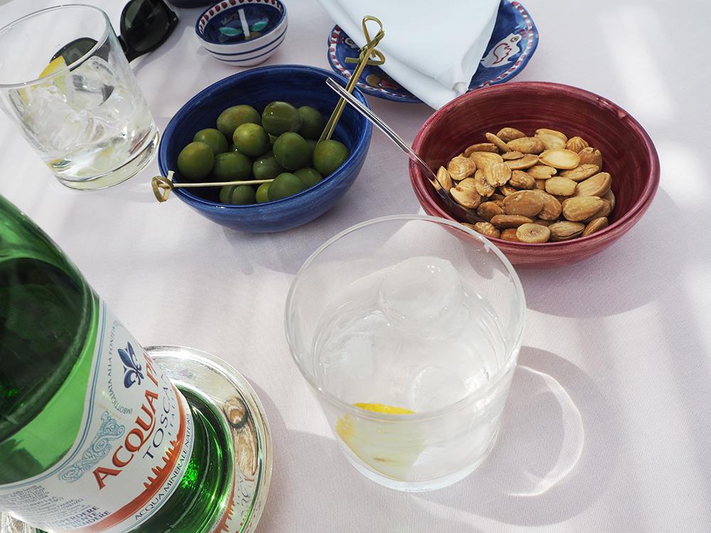 RosyCheeks-Positano-La-Sponda-snacks