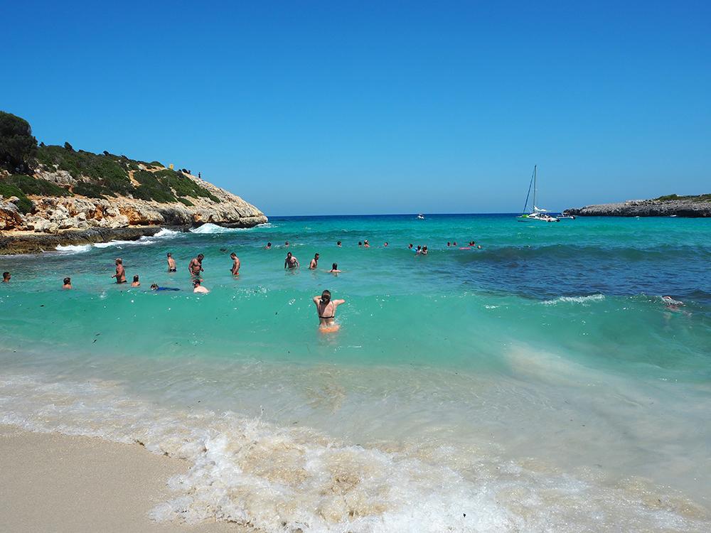 RosyCheeks-Mallorca-Cala-Varques-sea