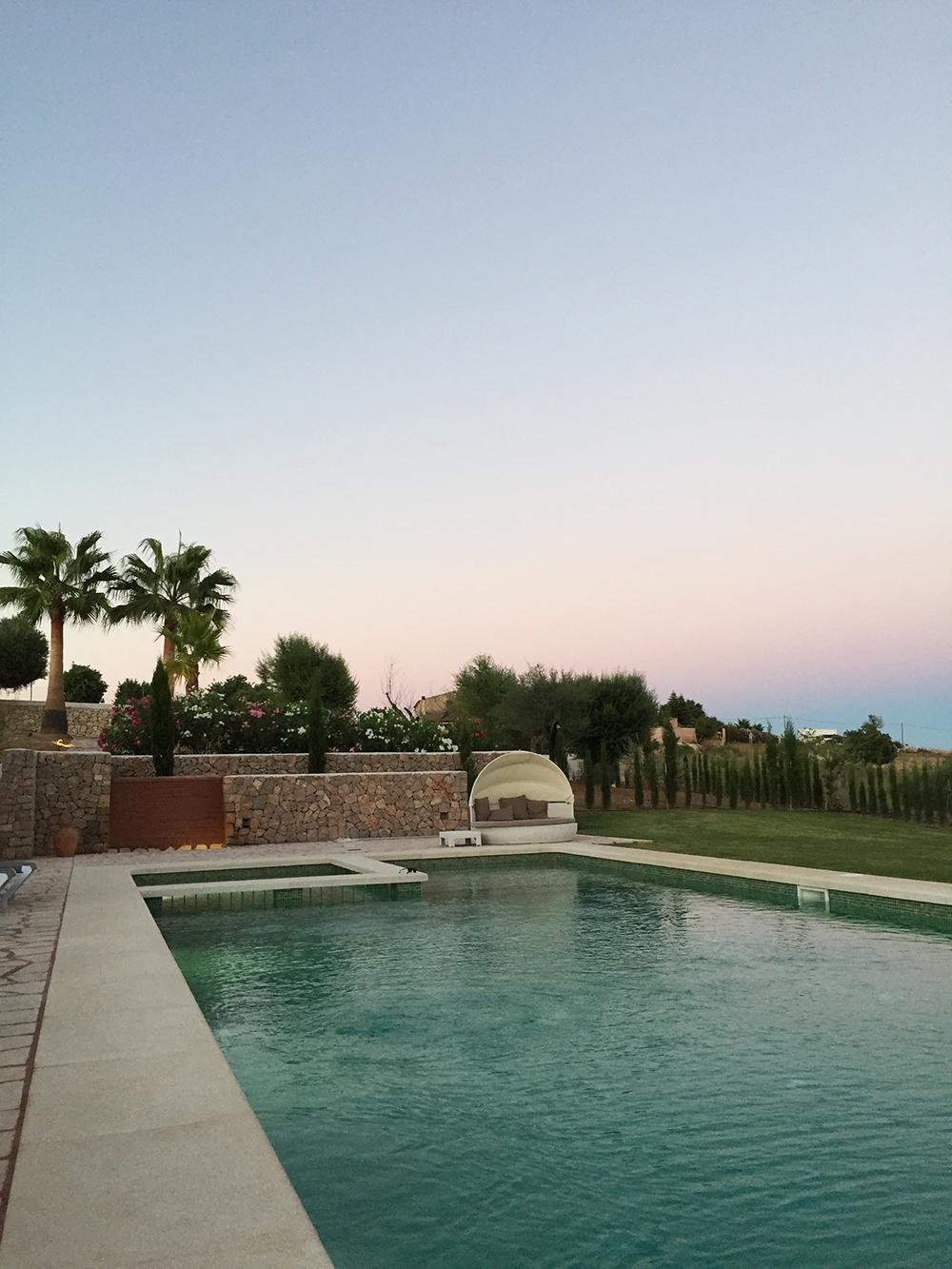 RosyCheeks-Mallorca-Finca-sunset