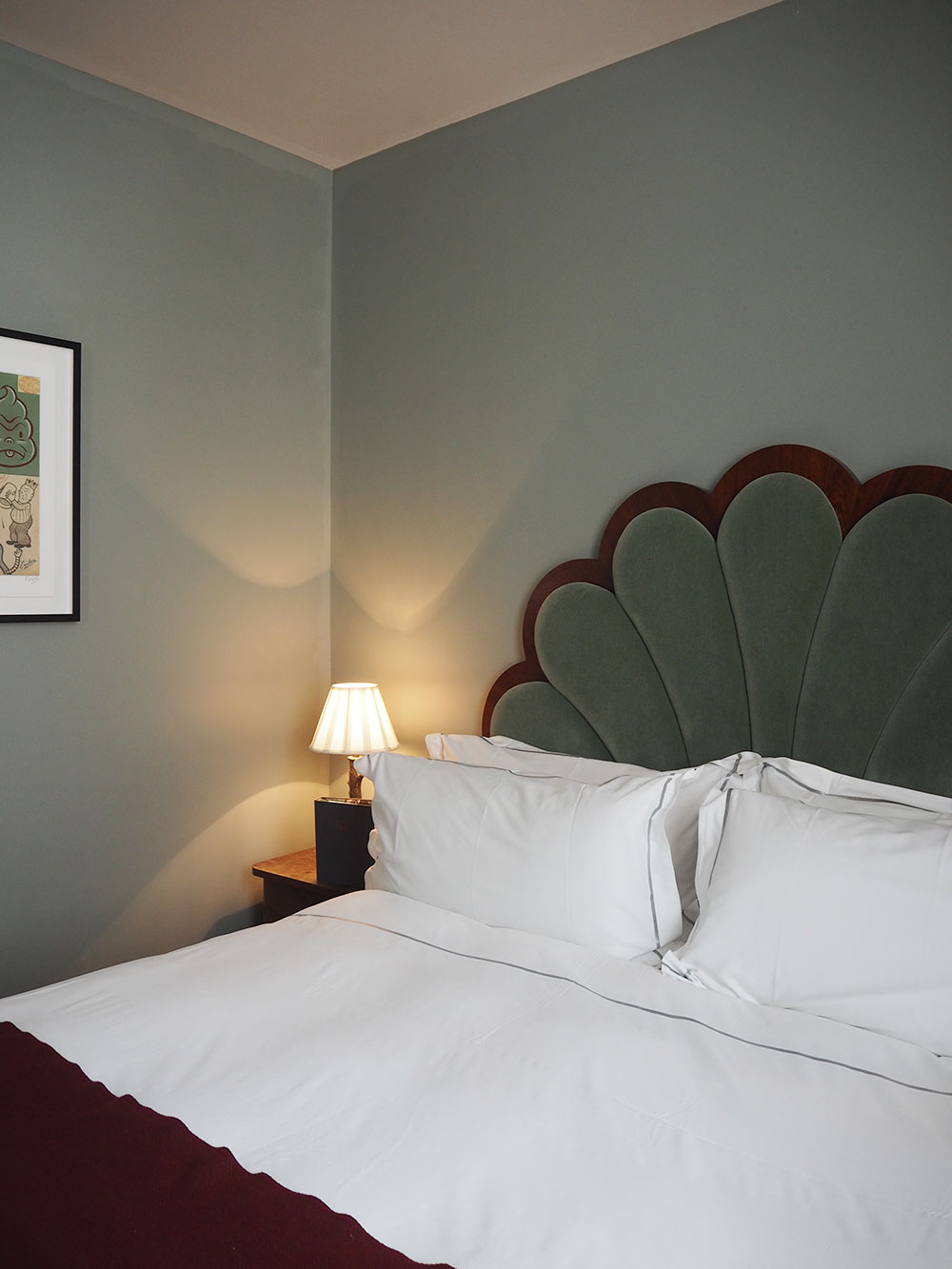 RosyCheeks-Artist-Residence-London-bedroom