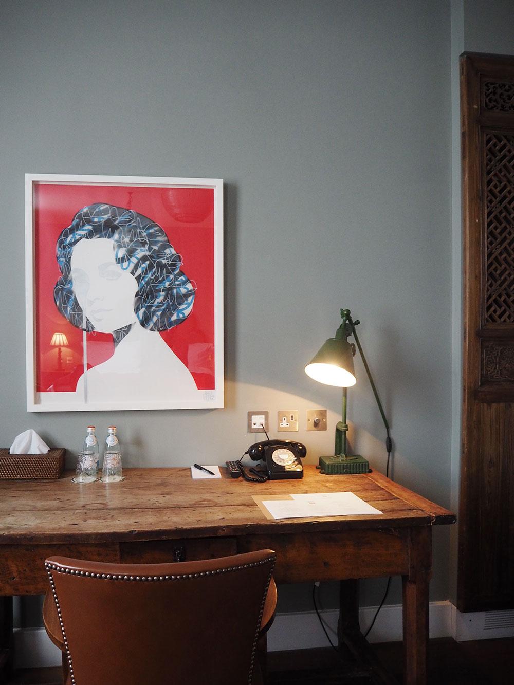 RosyCheeks-Hotel-Artist-Residence-London-desk