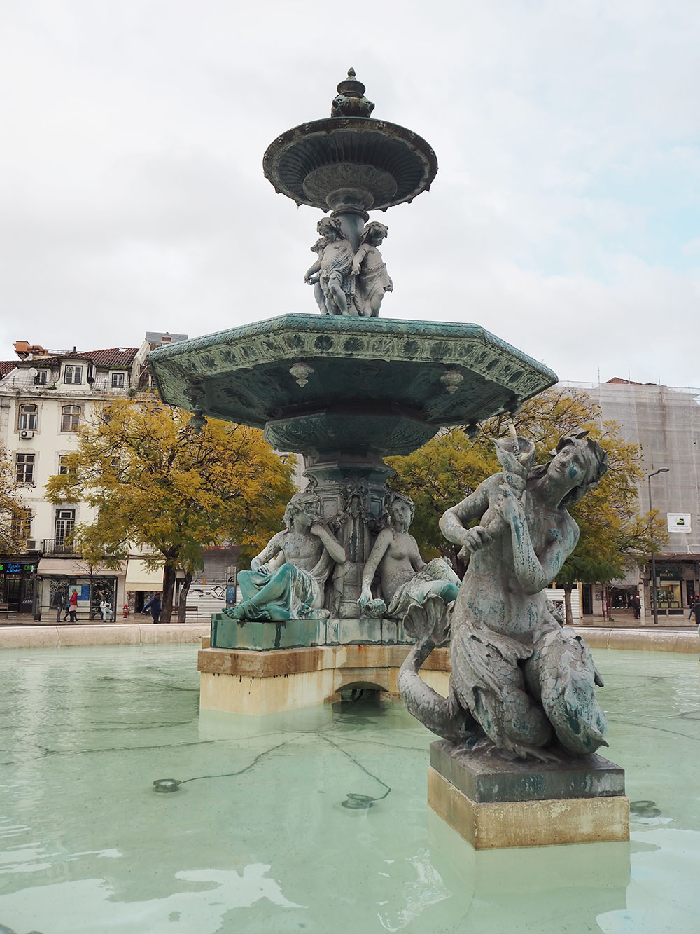 RosyCheeks-Lisbon-fountain-figure