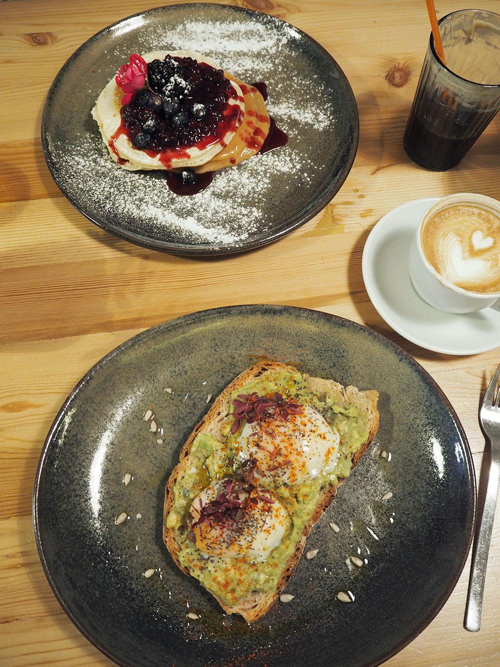 RosyCheeks-flora-fauna-breakfast