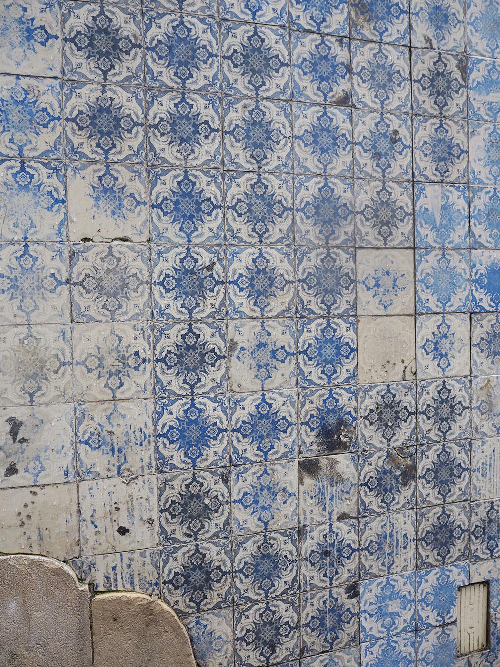 RosyCheeks-lisbon-blue-tiles