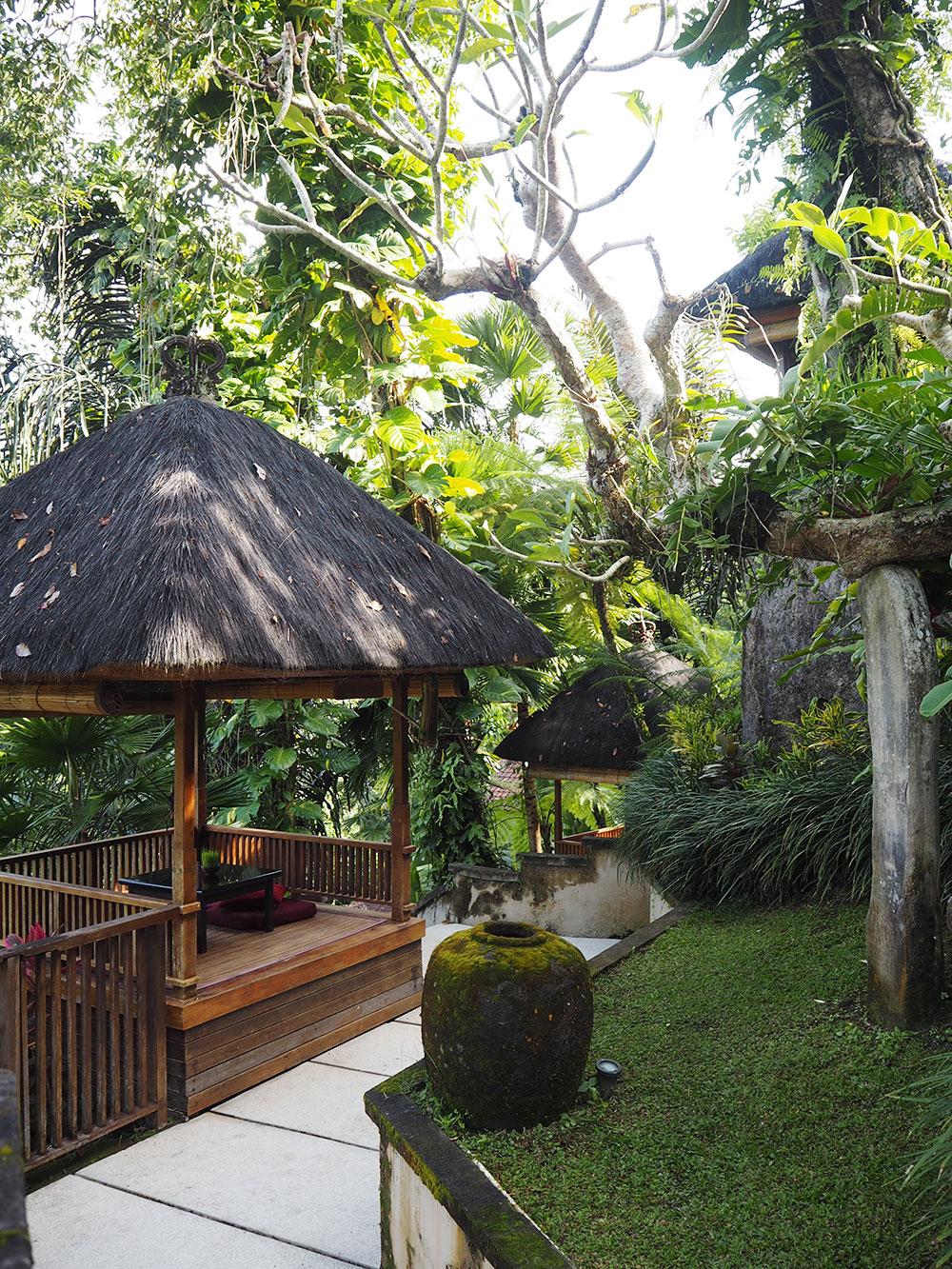 RosyCheeks-Bali-Alam-Ubud-reading-nook