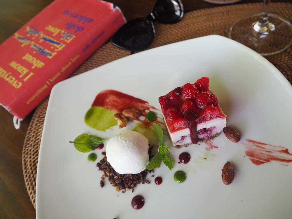 RosyCheeks-Bali-Fivelements-Raw-Cheesecake