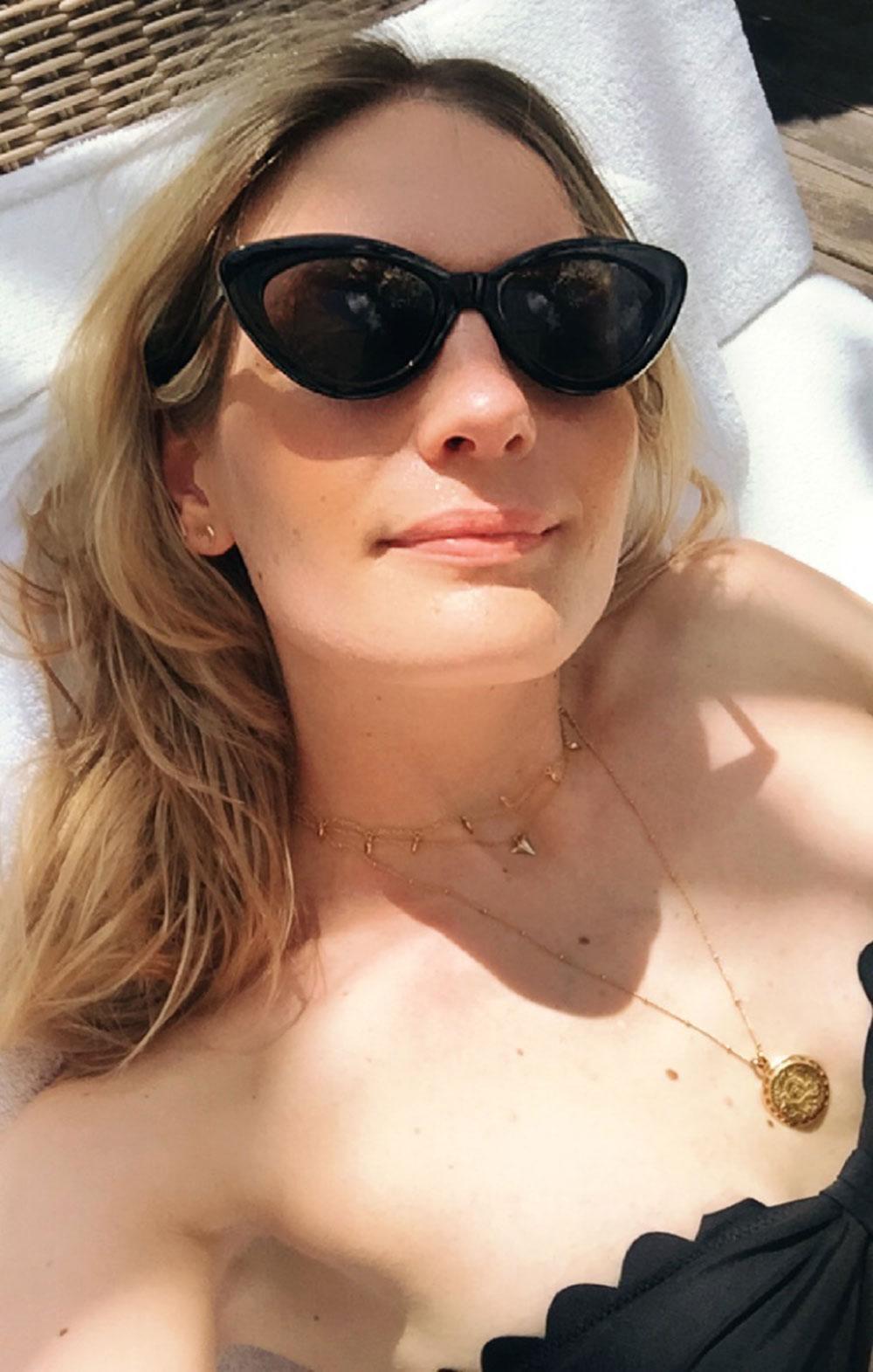 RosyCheeks-Bali-Fivelements-pool-selfie