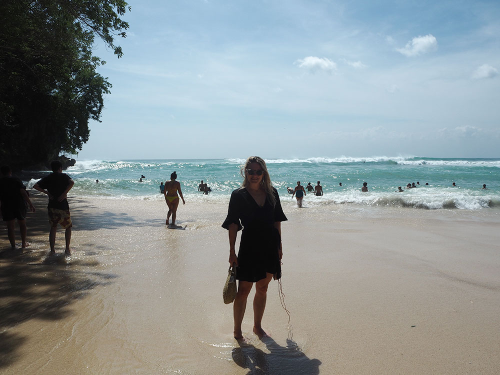 RosyCheeks-Bali-Padang-Padang-Beach-Anna
