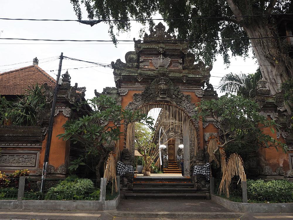 RosyCheeks-Bali-Ubud-Palace