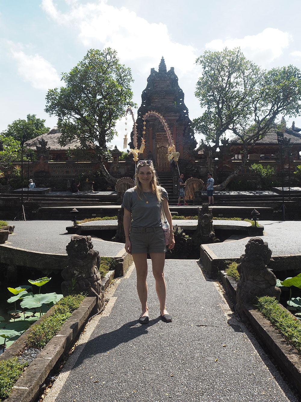 RosyCheeks-Bali-Ubud-Saraswati-Temple-Anna