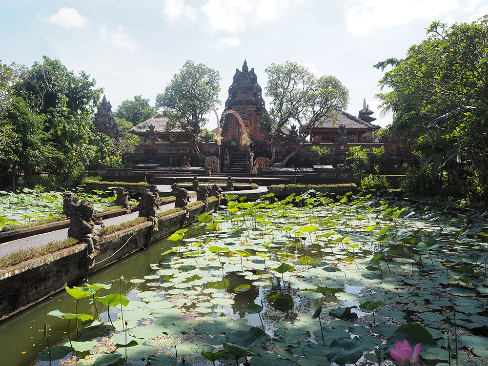 RosyCheeks-Bali-Ubud-Saraswati-Temple