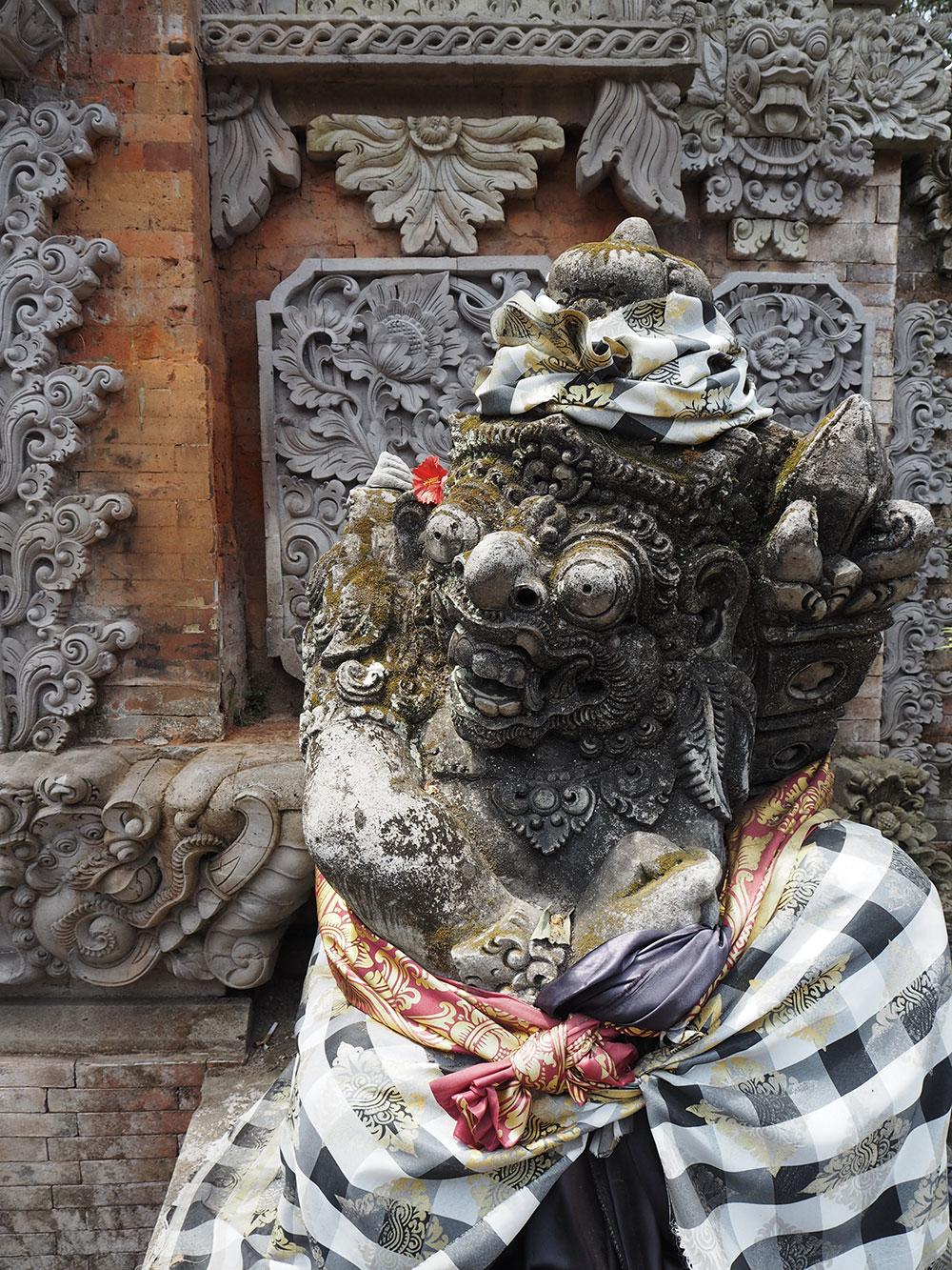 RosyCheeks-Bali-Ubud-Temple-figure