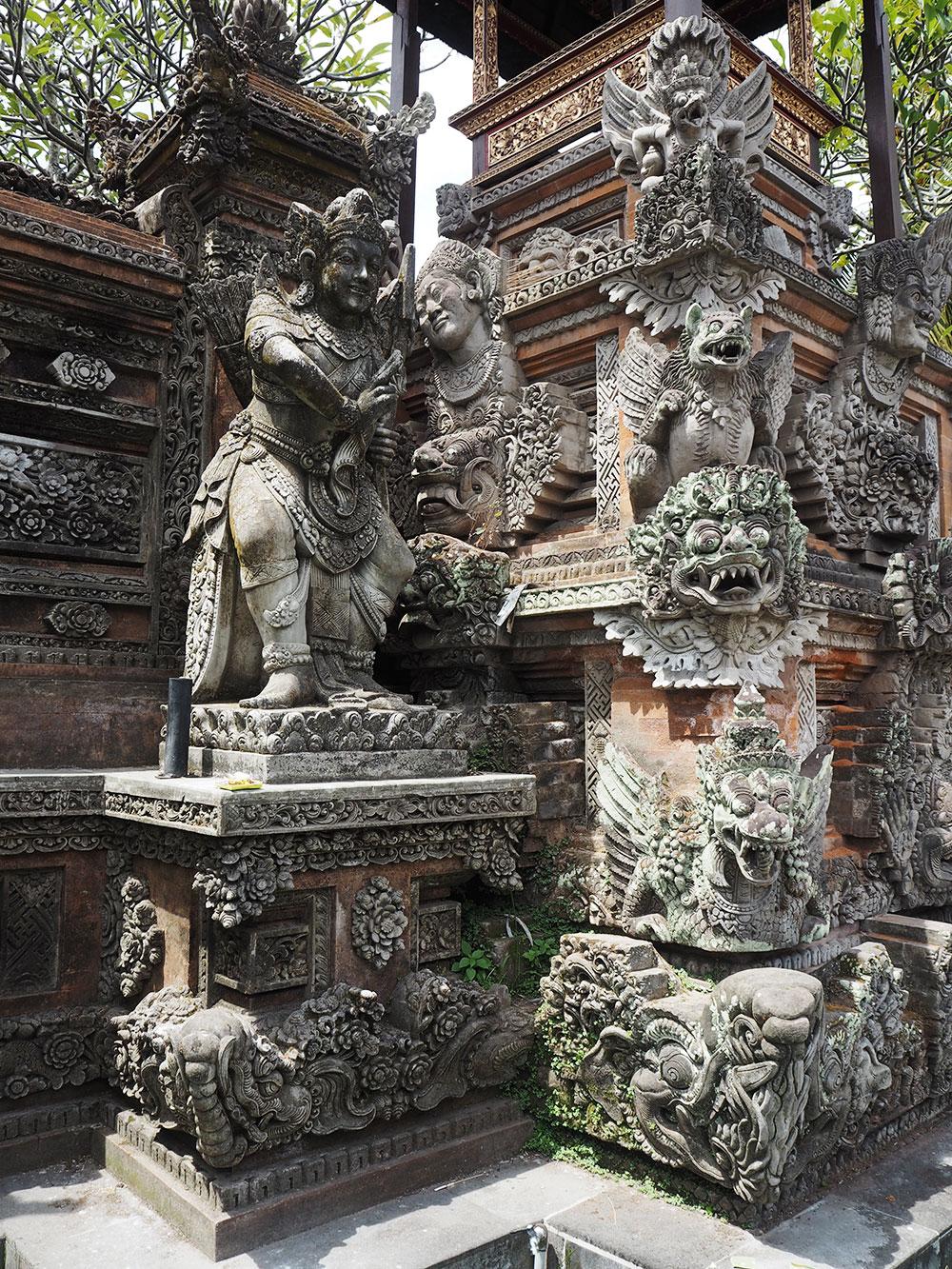 RosyCheeks-Bali-Ubud-Temple-figures