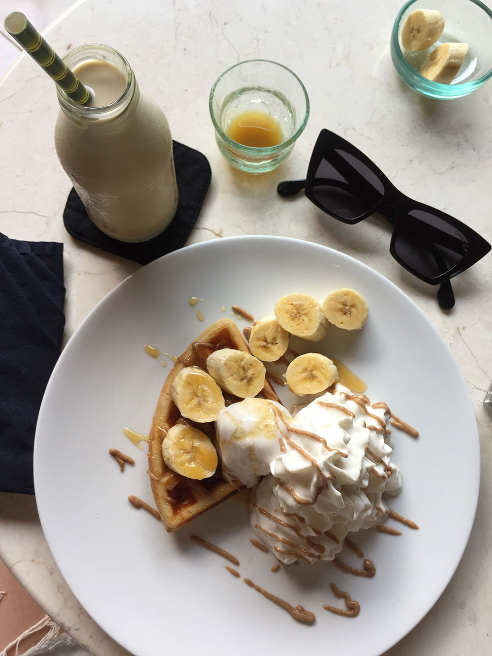 RosyCheeks-Bali-Ubud-sayuri-cafe-vegan-waffles