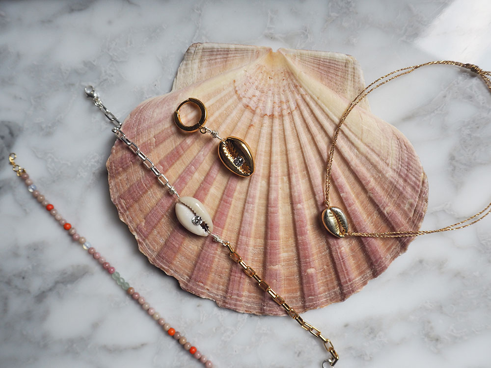 RosyCheeks-WaldBerlin-shell-jewellery-anni-lu