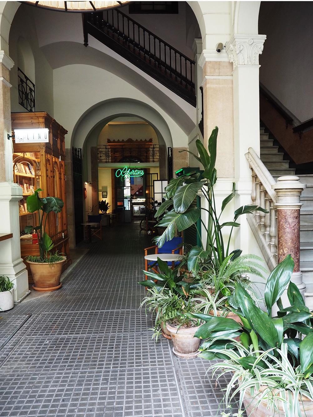 RosyCheeks-Barcelona-Casa-Bonay-entrance