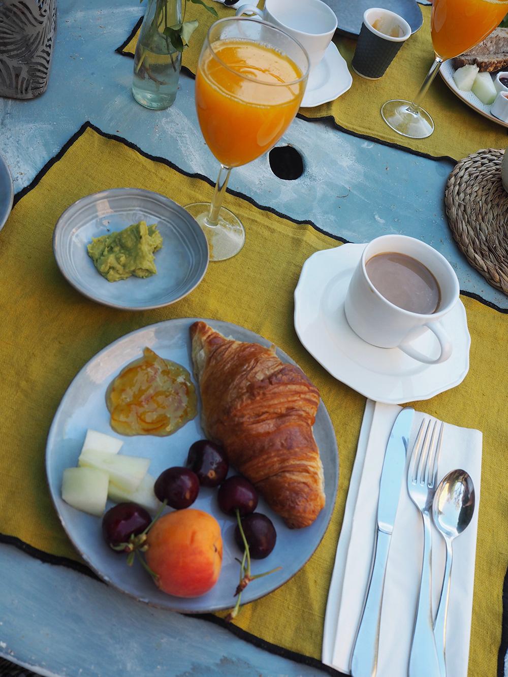 RosyCheeks-Blog-Les-Hamaques-breakfast