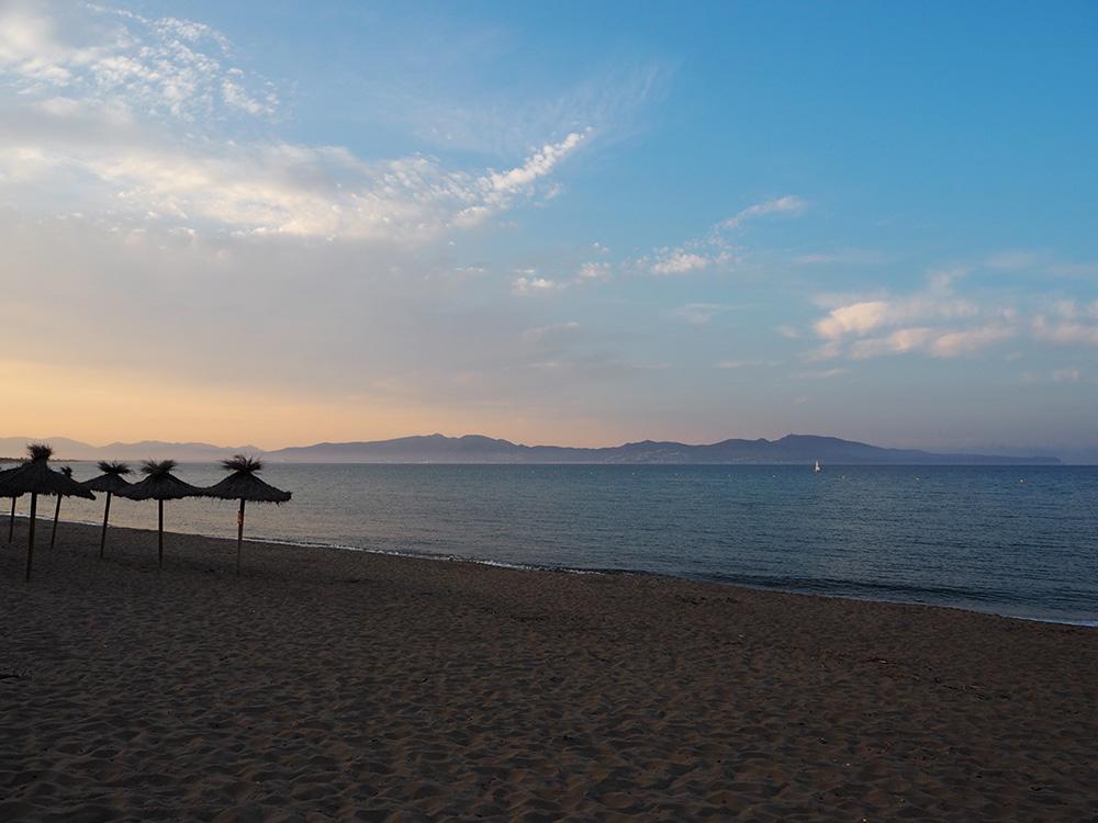 RosyCheeks-Blog-Sant-Marti-Dempuries-Beach