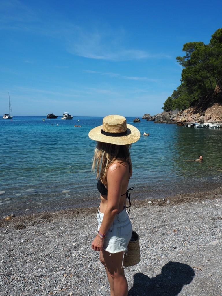 rosycheeks-mallorca-cala-tuent-beach