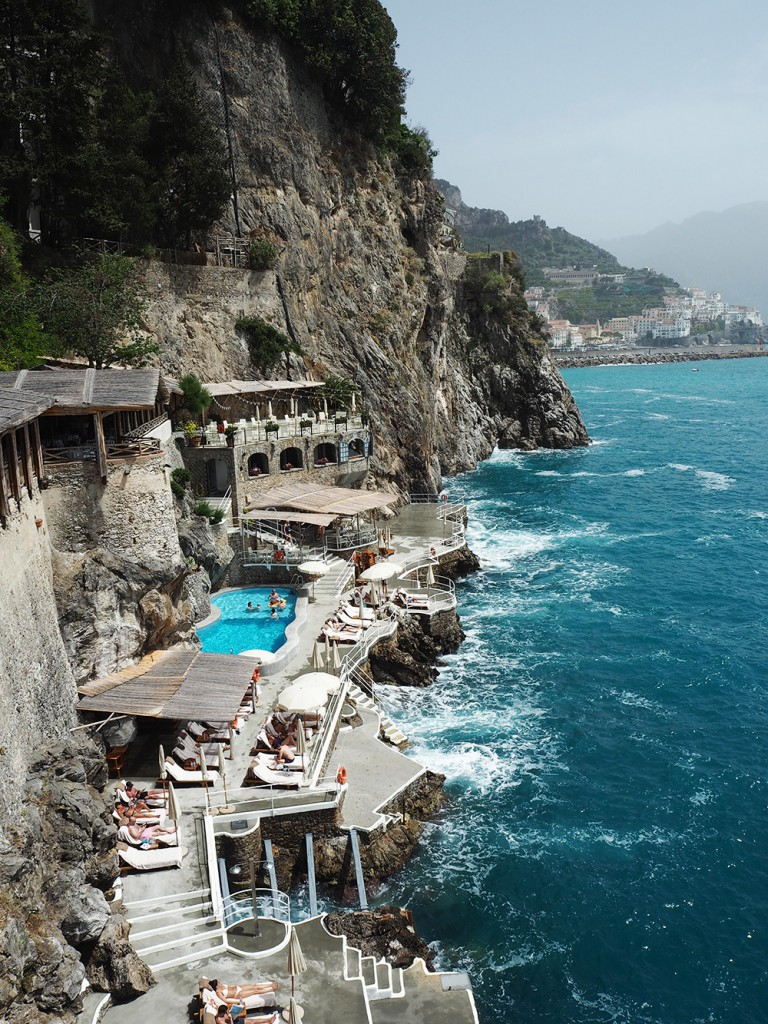 RosyCheeks-Amalfi-Hotel-Santa-caterina-pool-by-the-sea
